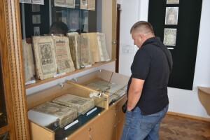 У Любомлі виставили книжки, де записи робили сучасники Хмельницького та Мазепи