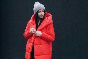 Які аксесуари пасуватимуть дочервоної куртки