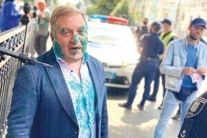 Проросійського депутата облили зеленкою: затримано ветерана війни