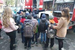 У Володимир-Волинському районі на екскурсію до рятувальників завітали школярі