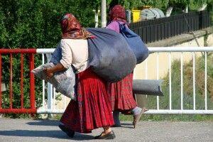 Жінки-жебрачки ромської національності наробили переполоху у волинському селі