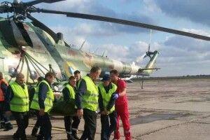 До Дніпра терміново доправили двох поранених на Донбасі українських бійців