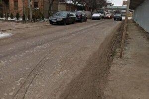 Машину будівельної фірми у Луцьку вкотре оштрафували за бруд на дорозі (Фото)