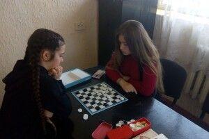 На Турійщині визначили найсильніших у шашках та тенісі