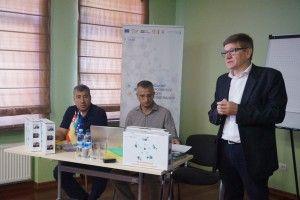 У Луцьку вчили: «Головне – діти, а не захист красивої будівлі школи»