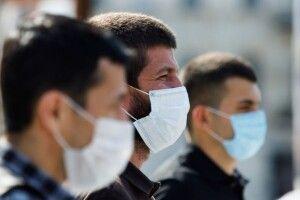 Нічого спільного з грипом: інфекціоніст назвала три фази розвитку коронавірусу