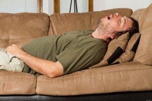 Чоловік напився,  заліз уночі в магазин і… заснув