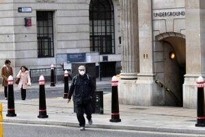 Протягом доби у Великій Британії від коронавірусу померли 563 особи