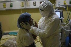 «Не все так страшно, як нам здається»: інфекціоніст спростував міфи про коронавірус «Дельта»