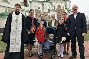 Горохівчанин Іван Сидор став хрещеним батьком британському хлопчикові