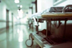 Двоє людей на «штучному диханні» померли у райлікарні через те, що зникло світло