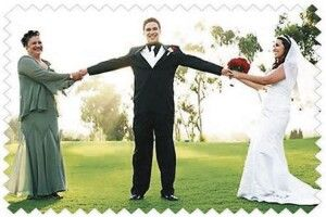 За кого не варто виходити заміж: «Будь обачною зчоловіком, який є єдиним сином уродині»