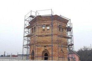 У Запоріжжі відновлюють унікальну водонапірну башту ХХ століття