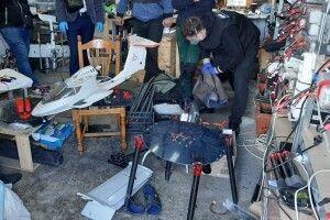 Волинські правоохоронці виявили безпілотники, якими доставляли контрафактні товари через кордон (Фото)