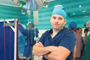 Підтримайте кандидата на звання «Людина року» – хірурга з Ковеля Олега САМЧУКА