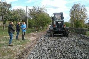 У Залаззі розпочато поточні ремонти доріг