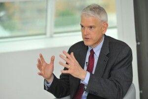 Стівен Пайфер нагадав Зеленському, що справи проти Порошенка нагадують часи Януковича