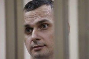 Олегу Сенцову три тижні не віддають посилку з теплими речами і продуктами