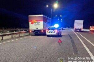 Жінку на швидкості збила вантажівка