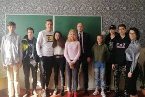 Прокурор прийшов у Луцьку вечірню школу...