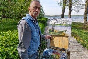Десятки висаджених гектарів лісу і тисячі написаних картин