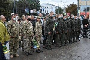 У центрі Луцька молилися за військових, які загинули за Україну на Сході (Фото)