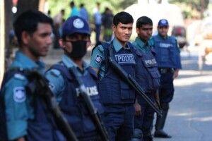 Шістьом затриманим у Бангладеш українцям інкримінують пограбування банкомата у складі ОЗГ та спротив представникам поліції