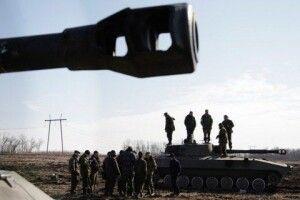 Росія знову відправляє на Донбас танки, самохідні артилерійські установки і міномети