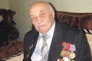 Сам маршал Жуков потиснув йому руку