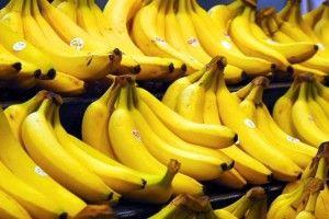 Українці дедалі активніше наминають банани