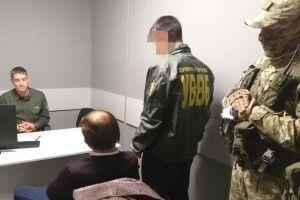Ані липові документи, ані чималий хабар не допомогли іноземцю потрапити в Україну (Фото, відео)