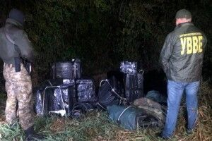 На Волині прикордонники зірвали нічну оборудку пачкарів (Фото)