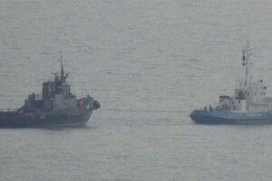Росіяни «позичили» на українських кораблях плафони, розетки та унітази