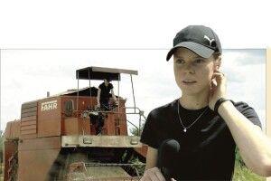 Тракторист і комбайнер... дівчина Аліна, або Чому 20-річна волинянка мріє про Швейцарію і новий... трактор (Відео)
