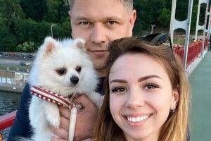 Глава Держміграції розлучився з дружиною заради дівчини, яку евакуйовував із Китаю