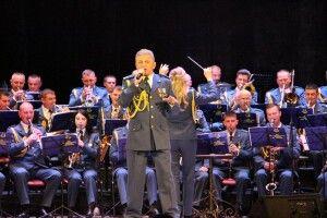 Оркестр військових льотчиків свої виступи на Волині розпочав у Локачах