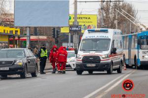 Lexus на смерть збив українку в її день народження
