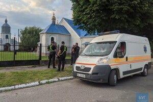 Двоє волинян біля церкви так гамселили один одного, що довелося викликати «швидку»