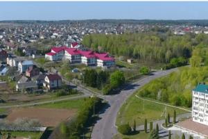 Рівненські рятувальники показали з висоти карантинне життя охопленого коронавірусом села Зоря (Відео)