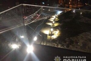 Поліцейські з'ясували, хто пошкодив Меморіал Героїв Небесної сотні у Львові