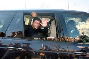«Зеленський катається на автомобілях, які Порошенко купив для іноземних делегацій»