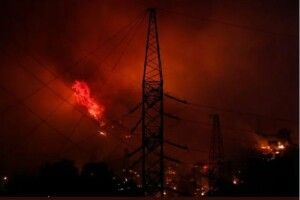 У Туреччині лісові пожежі охопили ТЕЦ, почали евакуацію (Фото, відео)