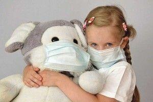 Лікар-інфекціоніст пояснила, чому діти хворіють на COVID-19 рідше та легше