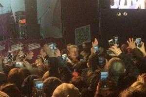 Порошенко вже виступає на мітингу в Ковелі – прибув на Волинь з фронтового Донбасу…