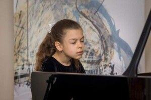 Обдарована піаністка прославляє Луцьк за кордоном