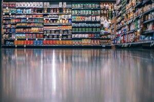 У супермаркеті Рівного помітили чаклунку (Відео)