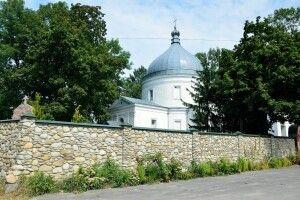 На Волині в монастирі побили чоловіка