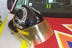 Сарненські рятувальники отримали пам`ятну каску американського пожежника
