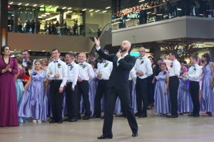 Влад Яма вчив лучан бальних танців (фото, відео)