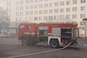 Рятувальники загасили пожежу на території Волинської дитячої лікарні (Фото)